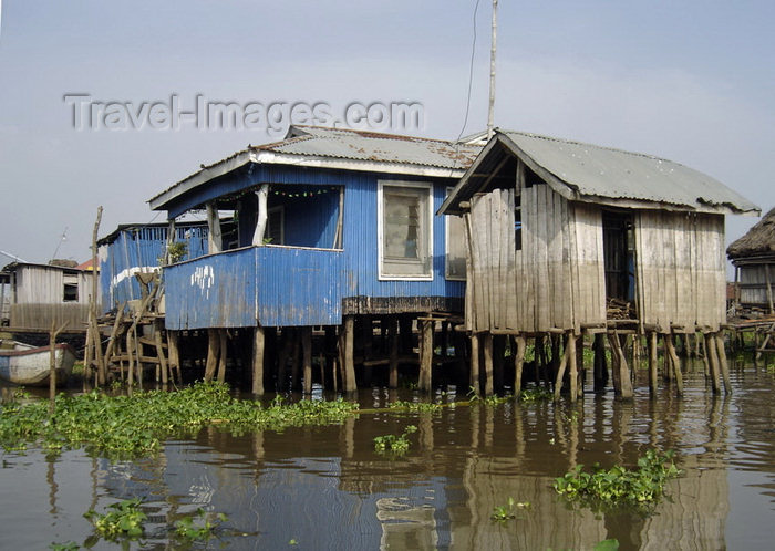 benin2: Ganvie, Benin: houses on stilts - lacustrian dwellings - probably the largest lake village in Africa - Lake Nokoué - photo by G.Frysinger - (c) Travel-Images.com - Stock Photography agency - Image Bank