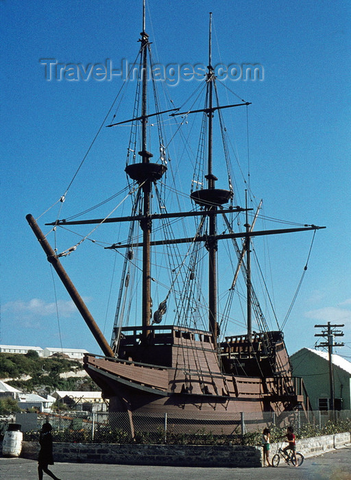 bermuda15: Bermuda - St George - Ordnance Island: replica of a 17th century English ship in the harbour - the 'Deliverance', from the Virginia Company - photo by G.Frysinger - (c) Travel-Images.com - Stock Photography agency - Image Bank
