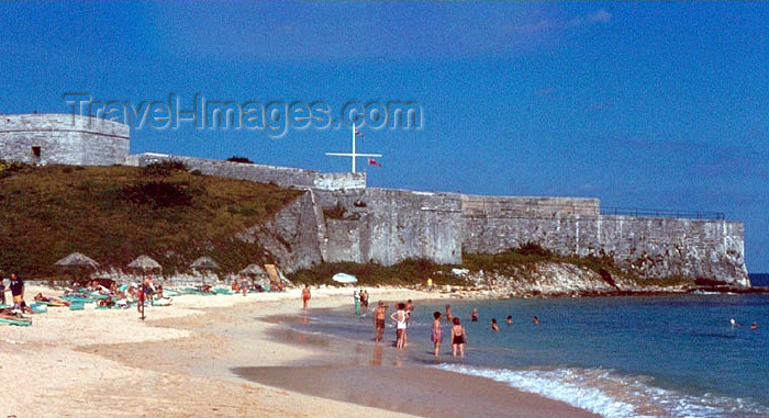 bermuda3: Bermuda - Fort Saint Catherine: beach on Gate's Bay - St George's Island - photo by G.Frysinger - (c) Travel-Images.com - Stock Photography agency - Image Bank