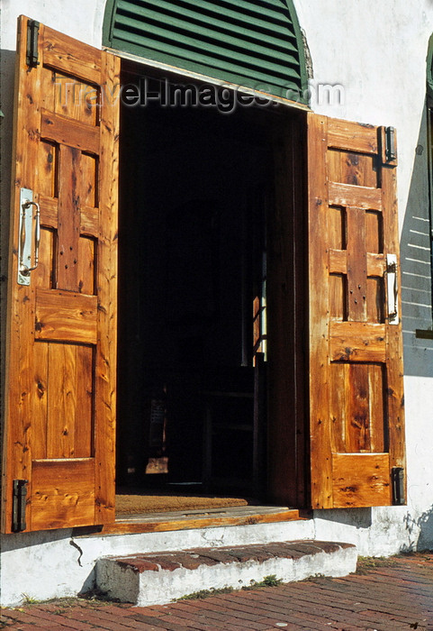 bermuda7: Bermuda - St. George: St. Georges's Anglican church - old wooden door - photo by G.Frysinger - (c) Travel-Images.com - Stock Photography agency - Image Bank