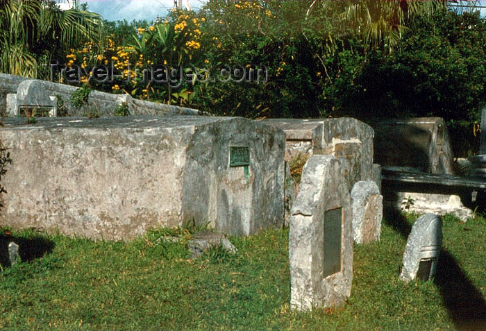 bermuda8: Bermuda - St. George: St Peter's Anglican church - Church of England - graveyard - photo by G.Frysinger - (c) Travel-Images.com - Stock Photography agency - Image Bank