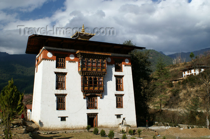 bhutan1: Bhutan - Pangri Zampa - façade, near Thimphu - photo by A.Ferrari - (c) Travel-Images.com - Stock Photography agency - Image Bank
