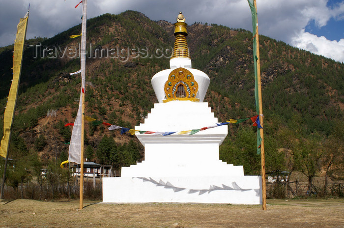 bhutan109: Bhutan - Paro dzongkhag - Lango village - stupa at Lango chorten, near Paro - photo by A.Ferrari - (c) Travel-Images.com - Stock Photography agency - Image Bank
