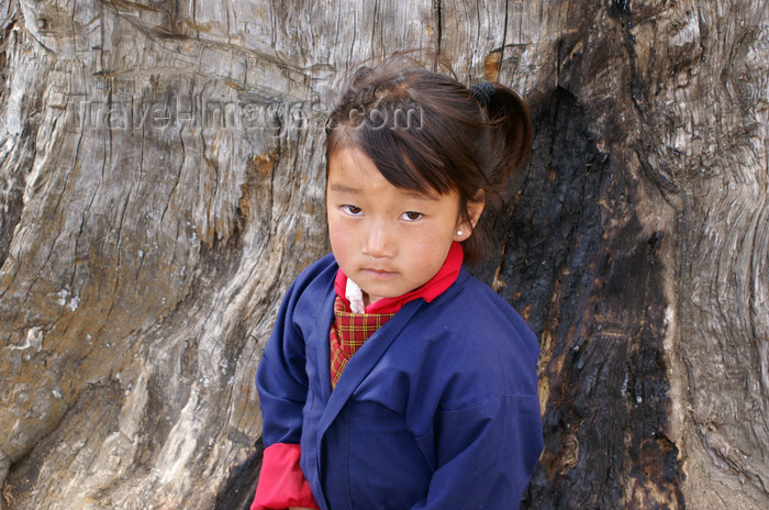 bhutan115: Bhutan - Paro dzongkhag - Drukgyel village - little girl - photo by A.Ferrari - (c) Travel-Images.com - Stock Photography agency - Image Bank