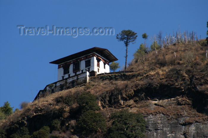 bhutan128: Bhutan - Paro dzongkhag - House built at the cliff edge, near Taktshang Goemba - photo by A.Ferrari - (c) Travel-Images.com - Stock Photography agency - Image Bank