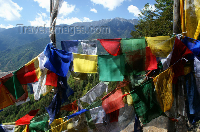 bhutan135: Bhutan - Paro dzongkhag - Prayer flags and mountains, on the way to Taktshang Goemba - photo by A.Ferrari - (c) Travel-Images.com - Stock Photography agency - Image Bank