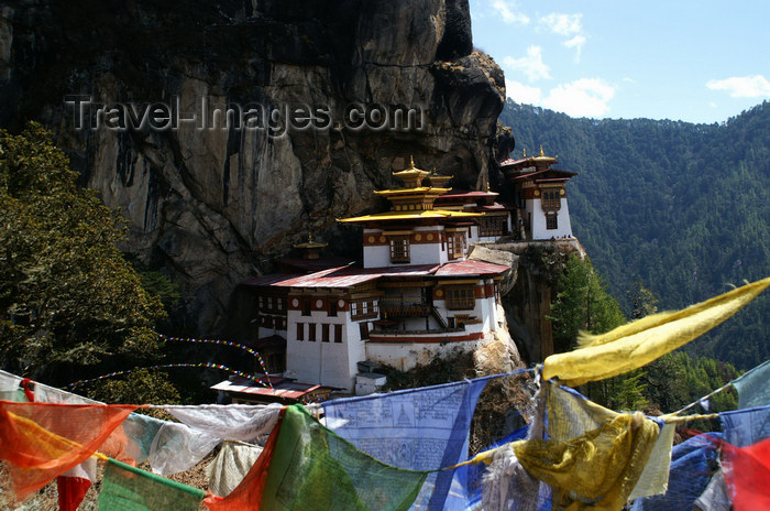 bhutan136: Bhutan - Paro dzongkhag - Prayer flags with Taktshang Goemba in the background - photo by A.Ferrari - (c) Travel-Images.com - Stock Photography agency - Image Bank
