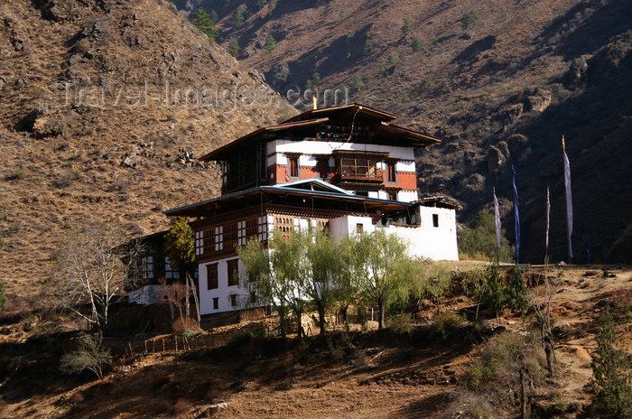 bhutan141: Bhutan - Tamchhog Lhakhang, on the bank of the Paro Chhu - photo by A.Ferrari - (c) Travel-Images.com - Stock Photography agency - Image Bank