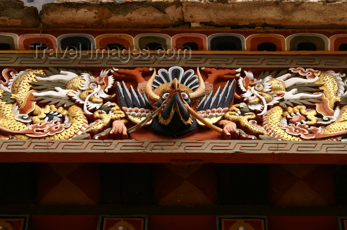 bhutan15: Bhutan - garuda and serpents - detail of wood carvings above a gate - Trongsa Dzong - photo by A.Ferrari - (c) Travel-Images.com - Stock Photography agency - Image Bank