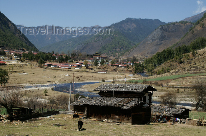 bhutan159: Bhutan - Haa village and the river - Haa valley - Hidden-Land Rice Valley - photo by A.Ferrari - (c) Travel-Images.com - Stock Photography agency - Image Bank