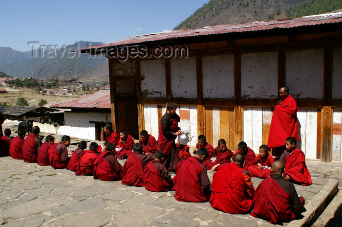 bhutan162: Bhutan - Monks having lunch, in Haa Trasang - photo by A.Ferrari - (c) Travel-Images.com - Stock Photography agency - Image Bank
