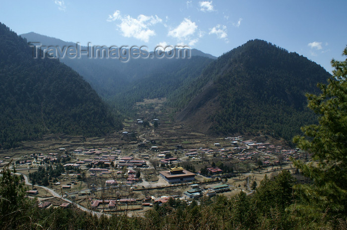 bhutan164: Bhutan - Haa village, seen from the way to Chele la - photo by A.Ferrari - (c) Travel-Images.com - Stock Photography agency - Image Bank