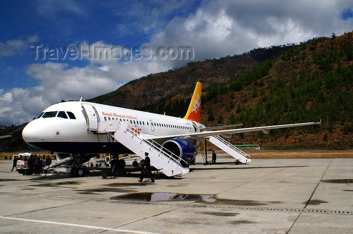 bhutan18: Bhutan - Paro: Druk Air Airbus A319-100 on the ramp, upon arrival in Paro airport - Royal Bhutan Airlines - KB  - photo by A.Ferrari - (c) Travel-Images.com - Stock Photography agency - Image Bank