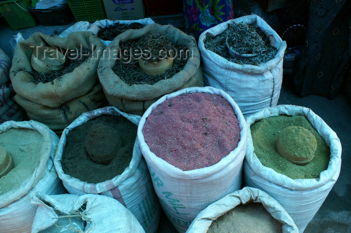 bhutan181: Bhutan - Thimphu - the market - spices in bags - photo by A.Ferrari - (c) Travel-Images.com - Stock Photography agency - Image Bank
