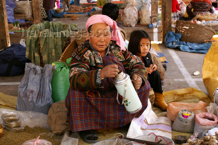 bhutan186: Bhutan - Thimphu - the market - tea time - photo by A.Ferrari - (c) Travel-Images.com - Stock Photography agency - Image Bank
