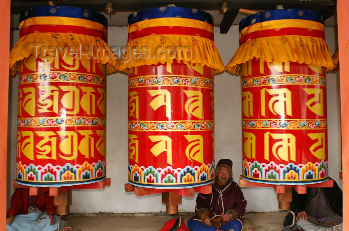 bhutan194: Bhutan - Thimphu - large red prayer wheels in the National Memorial Chorten - photo by A.Ferrari - (c) Travel-Images.com - Stock Photography agency - Image Bank