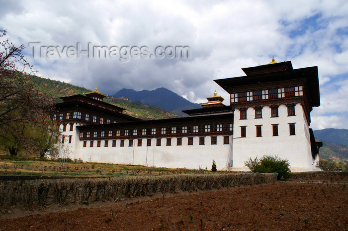 bhutan200: Bhutan - Thimphu - Trashi Chhoe Dzong - photo by A.Ferrari - (c) Travel-Images.com - Stock Photography agency - Image Bank