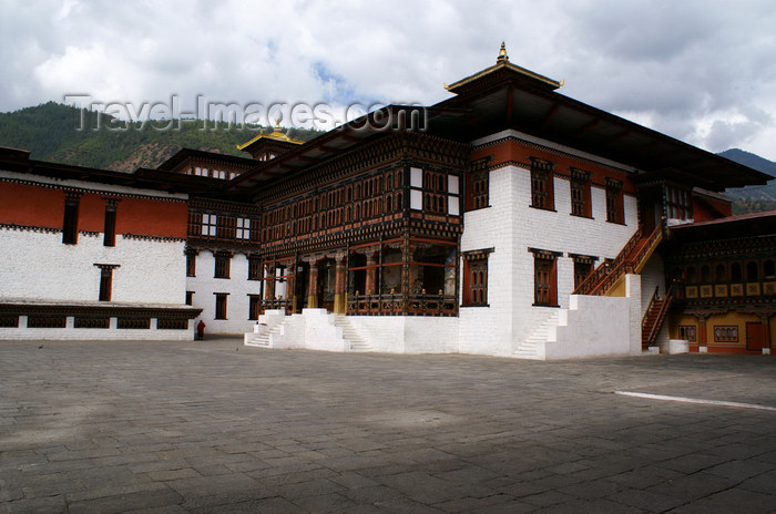 bhutan202: Bhutan - Thimphu - inside the Trashi Chhoe Dzong - large balcony - photo by A.Ferrari - (c) Travel-Images.com - Stock Photography agency - Image Bank