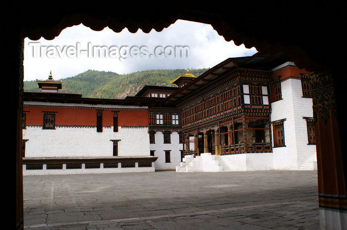 bhutan204: Bhutan - Thimphu - Entering the Trashi Chhoe Dzong - photo by A.Ferrari - (c) Travel-Images.com - Stock Photography agency - Image Bank