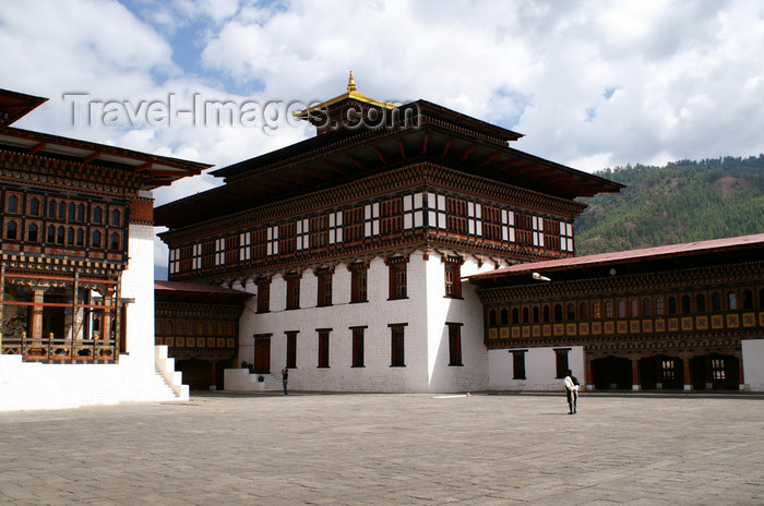 bhutan205: Bhutan - Thimphu - inside Trashi Chhoe Dzong - courtyard - photo by A.Ferrari - (c) Travel-Images.com - Stock Photography agency - Image Bank