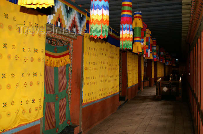 bhutan217: Bhutan - Corridor, inside Tango Goemba - photo by A.Ferrari - (c) Travel-Images.com - Stock Photography agency - Image Bank