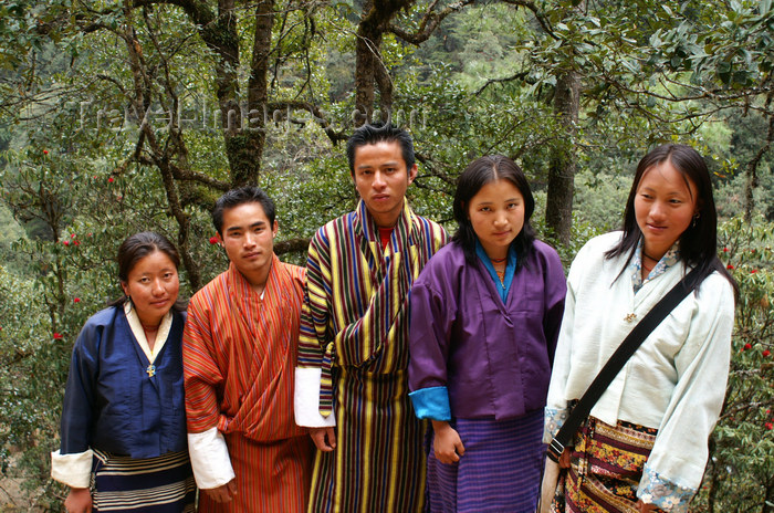 bhutan230: Bhutan - group of Bhutanese people, on their way to Cheri Goemba - photo by A.Ferrari - (c) Travel-Images.com - Stock Photography agency - Image Bank