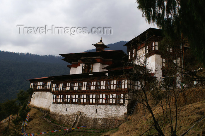 bhutan232: Bhutan - Chari Goemba - built by Shabdrung Ngwang Ndamgyal in 1620 - photo by A.Ferrari - (c) Travel-Images.com - Stock Photography agency - Image Bank