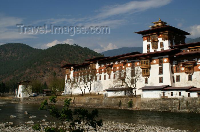 bhutan265: Bhutan - Punakha Dzong - façade - photo by A.Ferrari - (c) Travel-Images.com - Stock Photography agency - Image Bank
