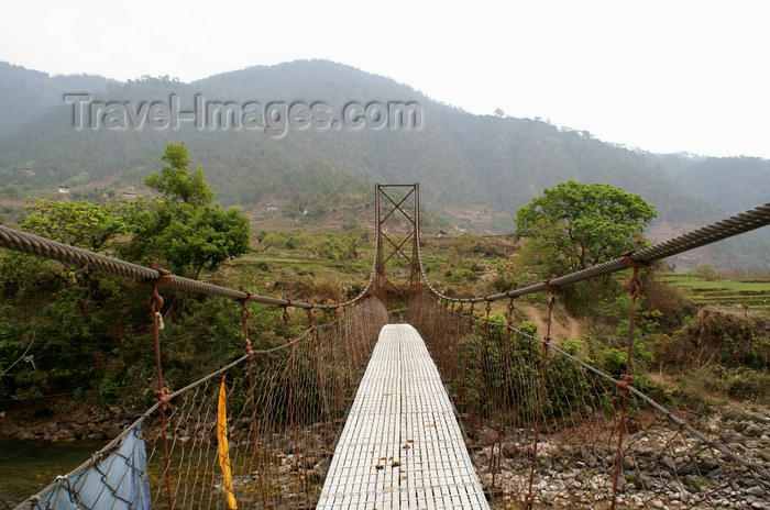 bhutan281: Bhutan - suspension bridge, on the way to Khansum Yuelley Namgyal Chorten - photo by A.Ferrari - (c) Travel-Images.com - Stock Photography agency - Image Bank
