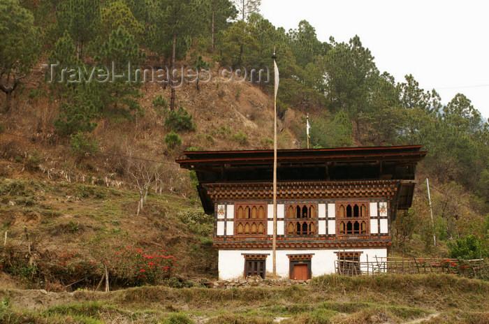 bhutan283: Bhutan - Bhutanese farm, on the way to Khansum Yuelley Namgyal Chorten - photo by A.Ferrari - (c) Travel-Images.com - Stock Photography agency - Image Bank