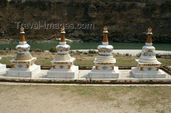 bhutan293: Bhutan - chortens in Wangdue Phodrang dzongkhag - photo by A.Ferrari - (c) Travel-Images.com - Stock Photography agency - Image Bank