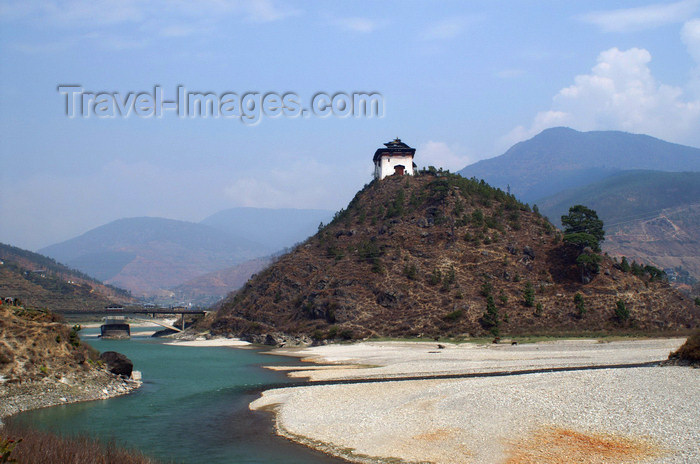 bhutan297: Bhutan - Wangdue Phodrang Dzong - built on a hill above the Punak Chhu river - photo by A.Ferrari - (c) Travel-Images.com - Stock Photography agency - Image Bank