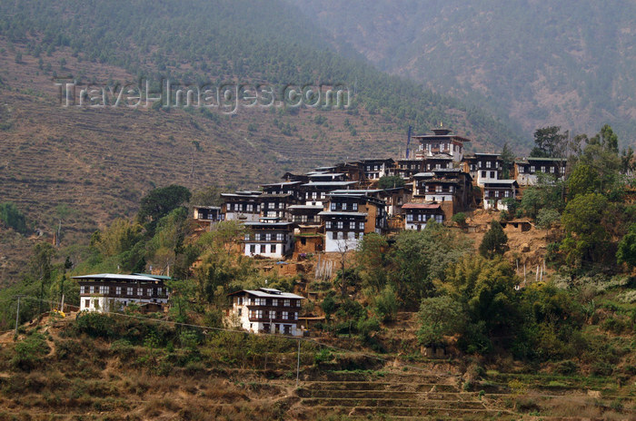 bhutan298: Bhutan - Rinchengang village, near Wangdue Phodrang -  mud-brick houses - photo by A.Ferrari - (c) Travel-Images.com - Stock Photography agency - Image Bank