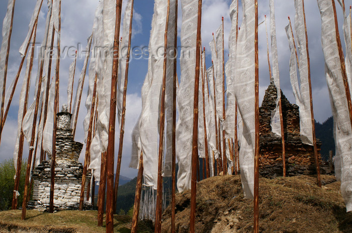 bhutan3: Bhutan - Bumthang valley - stupas and prayer flags, near Konchogsum Lhakhang - photo by A.Ferrari - (c) Travel-Images.com - Stock Photography agency - Image Bank