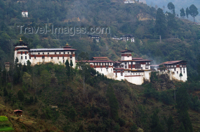 bhutan313: Bhutan - Trongsa Dzong - built on a mountain spur above the gorges of the Mangde Chhu river - photo by A.Ferrari - (c) Travel-Images.com - Stock Photography agency - Image Bank