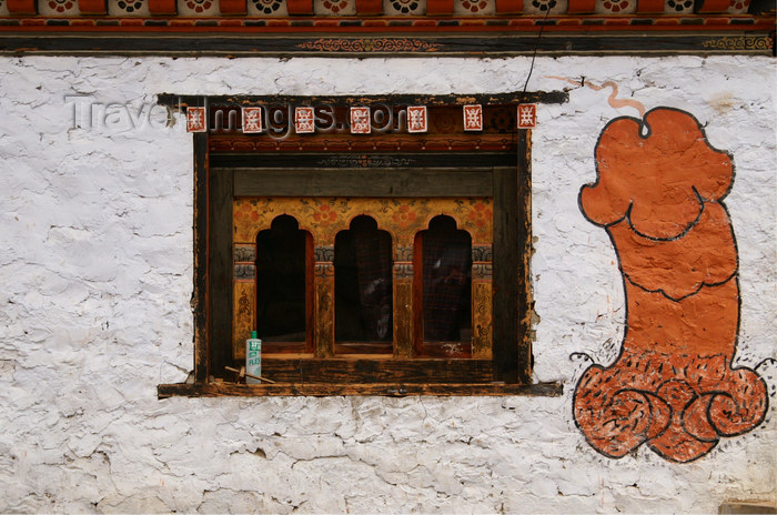 bhutan317: Bhutan - Chhume valley - phallus - lingam - symbol of fertility painted on a house - photo by A.Ferrari - (c) Travel-Images.com - Stock Photography agency - Image Bank