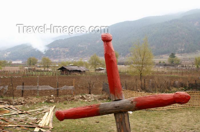 bhutan318: Bhutan - Jakar - phallus - symbol of fertility on a fence - photo by A.Ferrari - (c) Travel-Images.com - Stock Photography agency - Image Bank