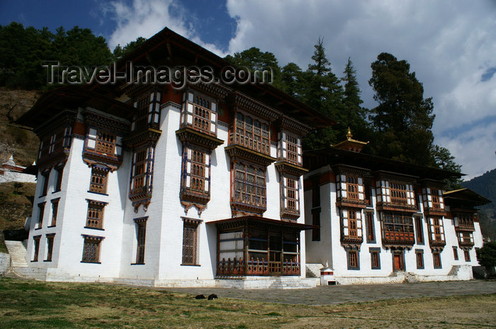 bhutan340: Bhutan - Kurjey Lhakhang - the three palaces - photo by A.Ferrari - (c) Travel-Images.com - Stock Photography agency - Image Bank