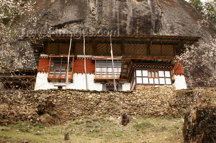 bhutan378: Bhutan - Tang Rimochen Lhakhang - main building - photo by A.Ferrari - (c) Travel-Images.com - Stock Photography agency - Image Bank