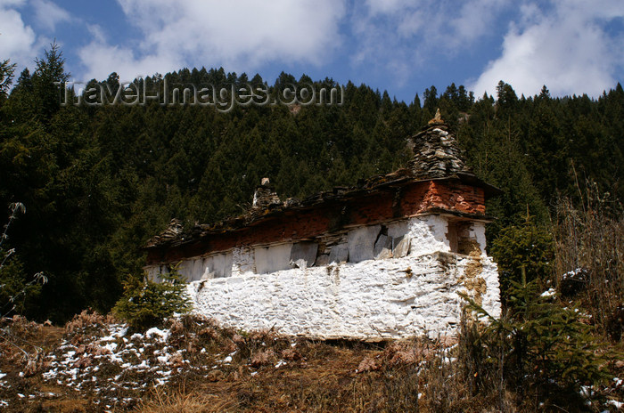 bhutan387: Bhutan - Ura valley - Mani wall - photo by A.Ferrari - (c) Travel-Images.com - Stock Photography agency - Image Bank