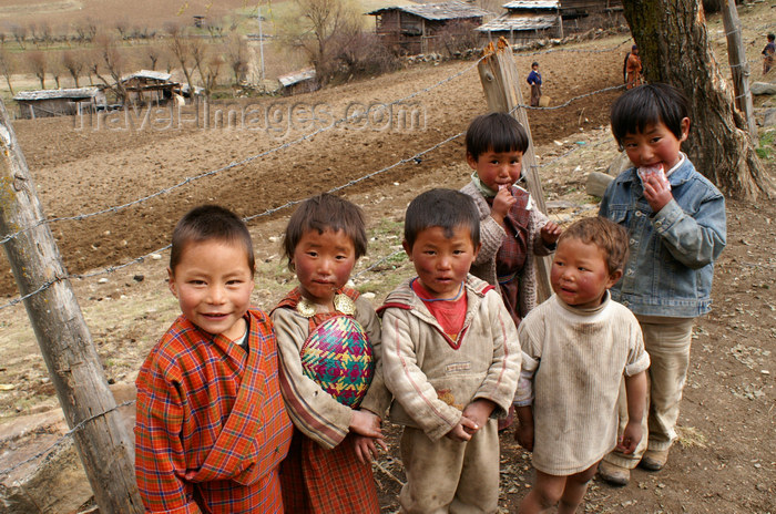 bhutan396: Bhutan - Ura village - Children - photo by A.Ferrari - (c) Travel-Images.com - Stock Photography agency - Image Bank