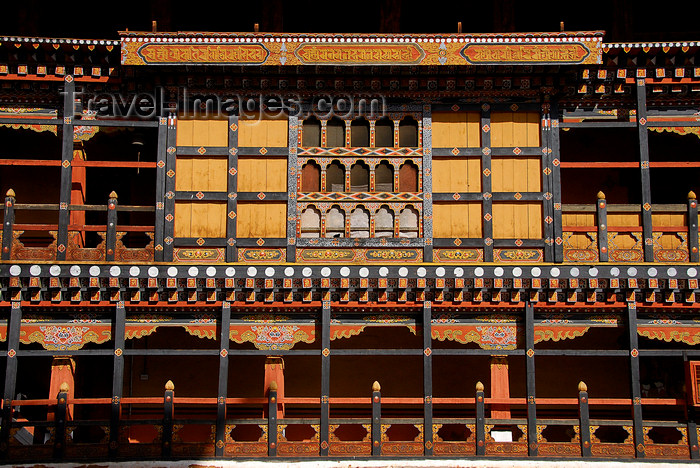 bhutan408: Bhutan, Paro, Detail Paro Dzong - balconies and windows - photo by J.Pemberton - (c) Travel-Images.com - Stock Photography agency - Image Bank