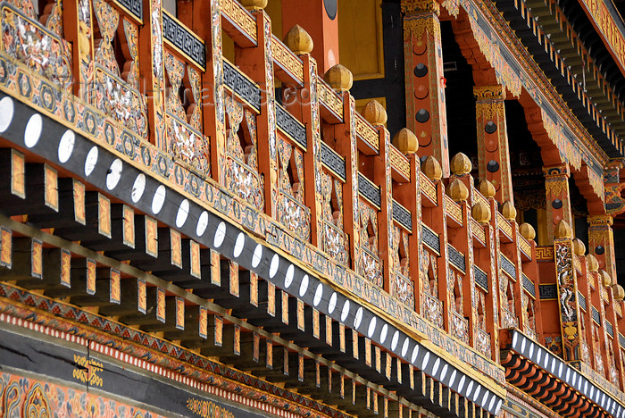 bhutan409: Bhutan, Paro, Detail of Paro Dzong interior courtyard - photo by J.Pemberton - (c) Travel-Images.com - Stock Photography agency - Image Bank