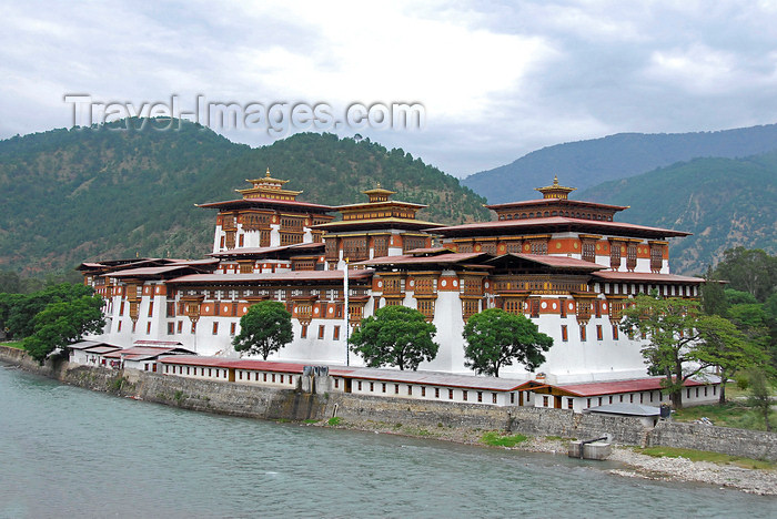 bhutan428: Bhutan, Thimphu, Trashi Chhoe Dzong - photo by J.Pemberton - (c) Travel-Images.com - Stock Photography agency - Image Bank