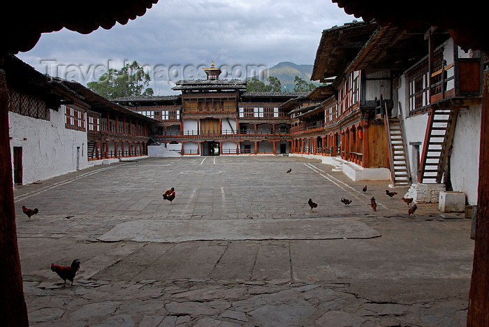 bhutan435: Bhutan, Punakha, Courtyard of Wnagdue Phodrang Dzong - photo by J.Pemberton - (c) Travel-Images.com - Stock Photography agency - Image Bank