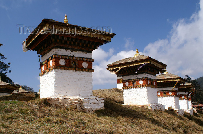 bhutan47: Bhutan - some of the 108 chortens of Dochu La pass - commissioned by the Queen Mother - photo by A.Ferrari - (c) Travel-Images.com - Stock Photography agency - Image Bank