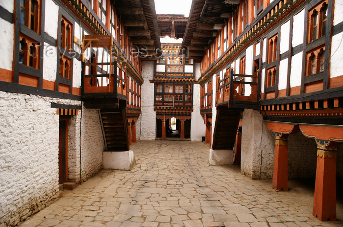 bhutan50: Bhutan - Jakar - small courtyard in the Jakar Dzong - photo by A.Ferrari - (c) Travel-Images.com - Stock Photography agency - Image Bank