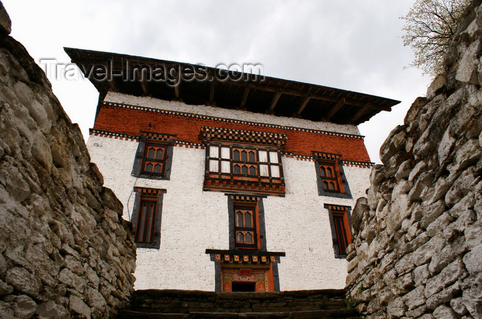 bhutan53: Bhutan - Jakar - main administrative building of the Jakar Dzong - photo by A.Ferrari - (c) Travel-Images.com - Stock Photography agency - Image Bank