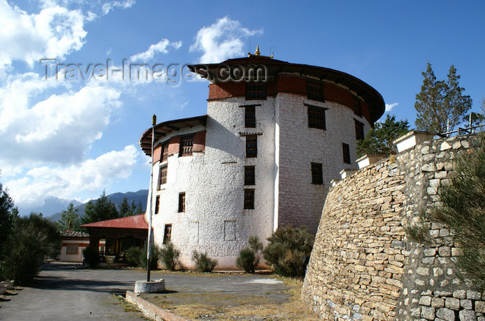 bhutan62: Bhutan - Paro: Bhutan's national museum - ancient Ta-dzong building - photo by A.Ferrari - (c) Travel-Images.com - Stock Photography agency - Image Bank