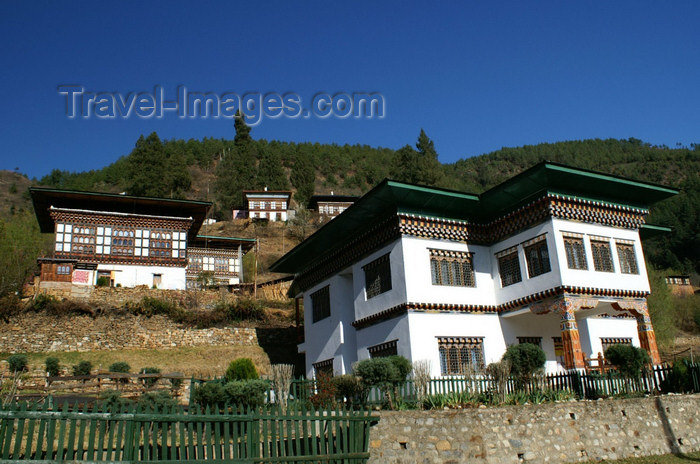 bhutan69: Bhutan - Paro: Bhutanese houses, near Paro Dzong - photo by A.Ferrari - (c) Travel-Images.com - Stock Photography agency - Image Bank